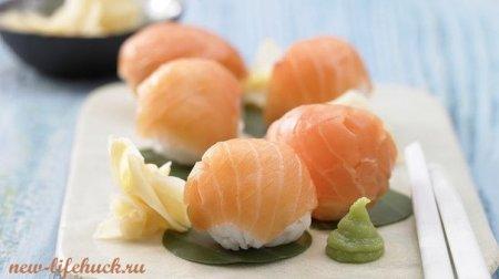 Суши шары с копченым лососем
