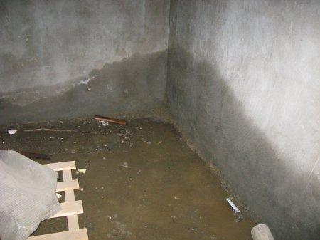 Как защитить подвал от сырости?