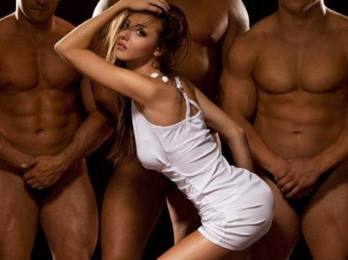 О чем еще мечтают женщины в постели